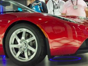CES 2011: Rechargement par induction d'une voiture électrique