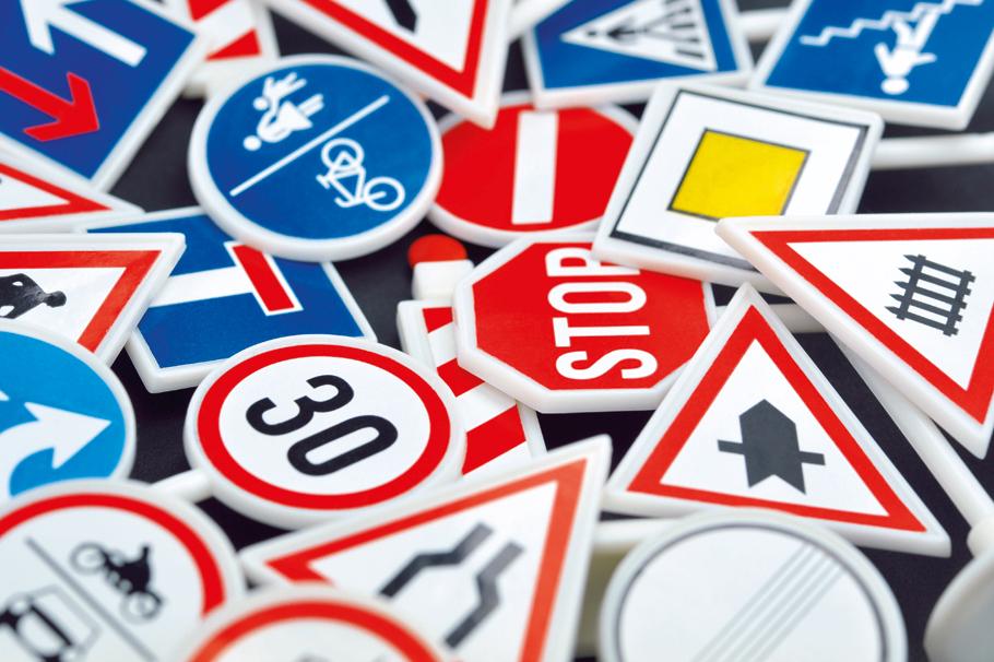 Oreillettes, casques et kit Bluetooth interdits de route!