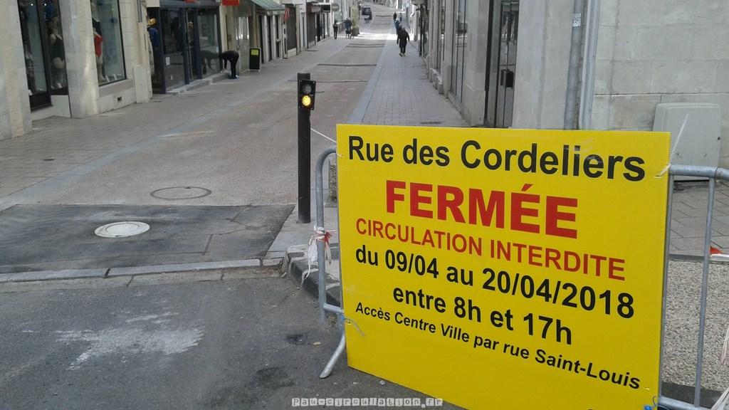Rafistolage sur la rue des Cordeliers