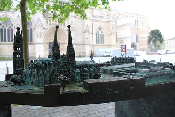 3 Plans-Reliefs en Bronze pour Pau